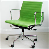 Charles Eames aluminium group desk chair